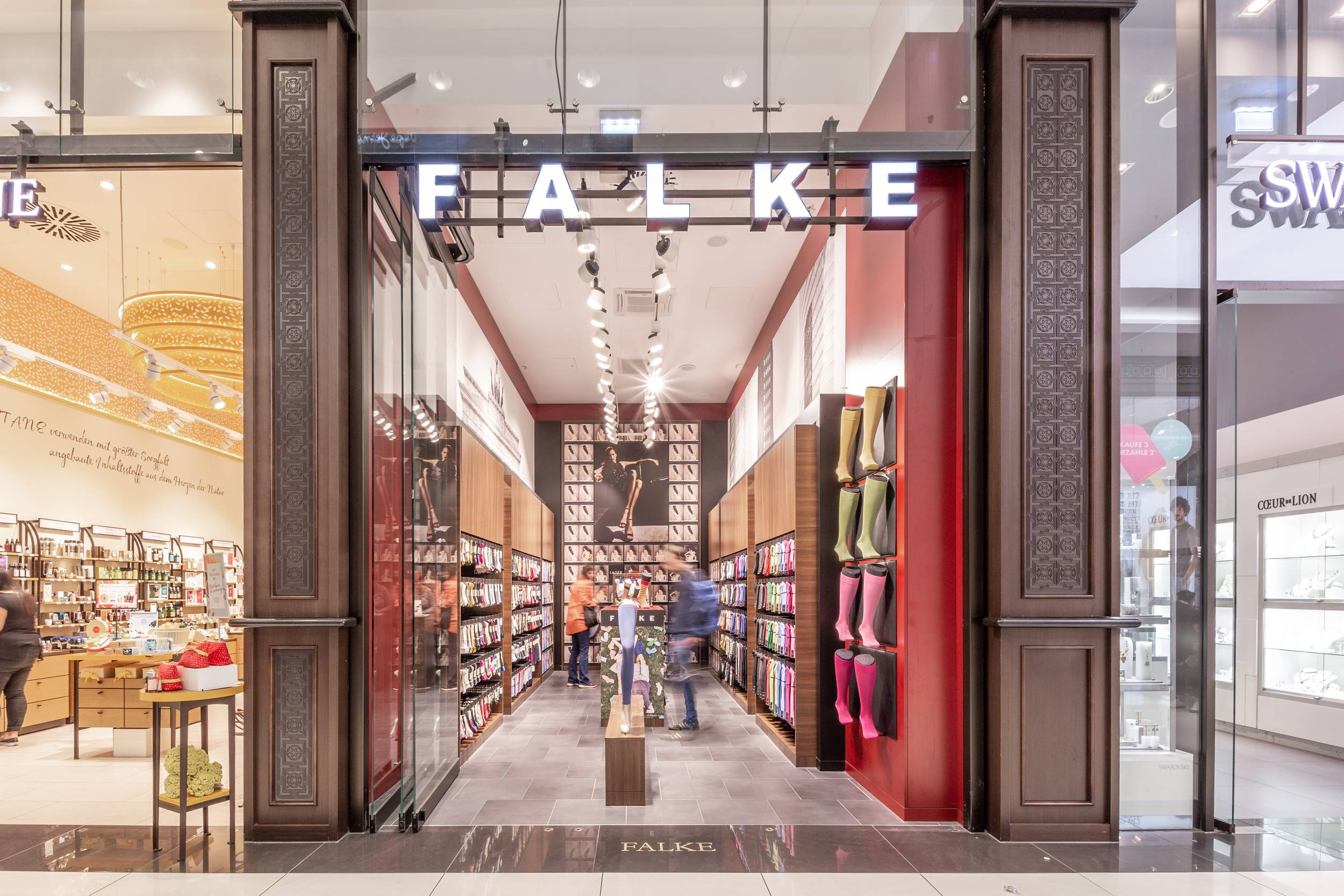 FALKE in der Mall of Berlin