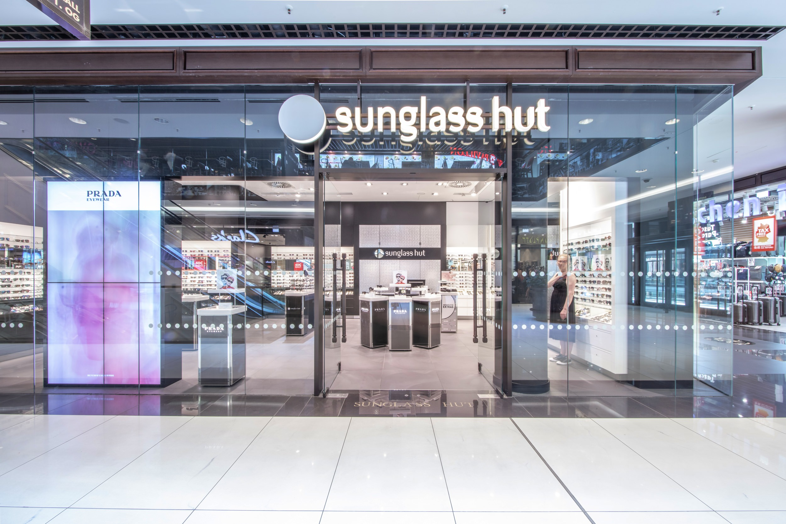 Sunglass Hut at the Mall of Berlin